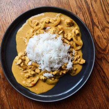 fit przepis na kurczaka curry z ryżem to idealna propozycja na zdrowy obiad