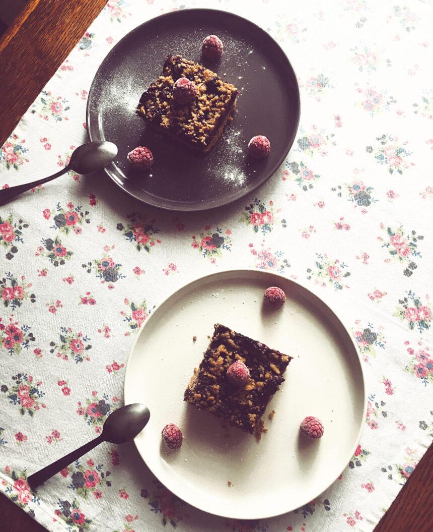kruche ciasto z borowkami i kruszonką pyszne i zdrowe ciasto